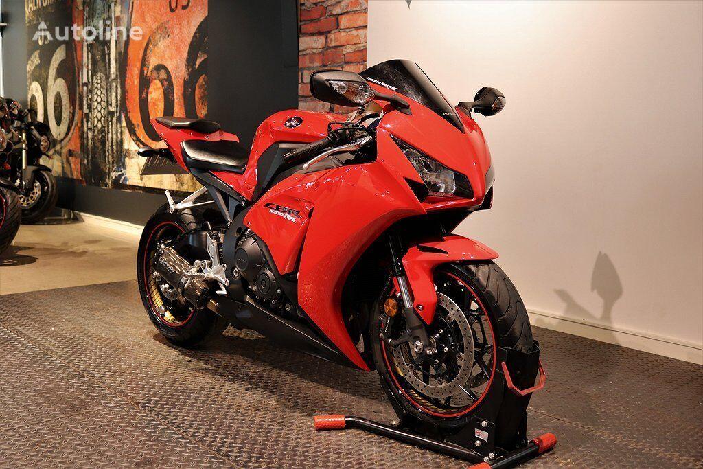 HONDA CBR 1000 RR moto
