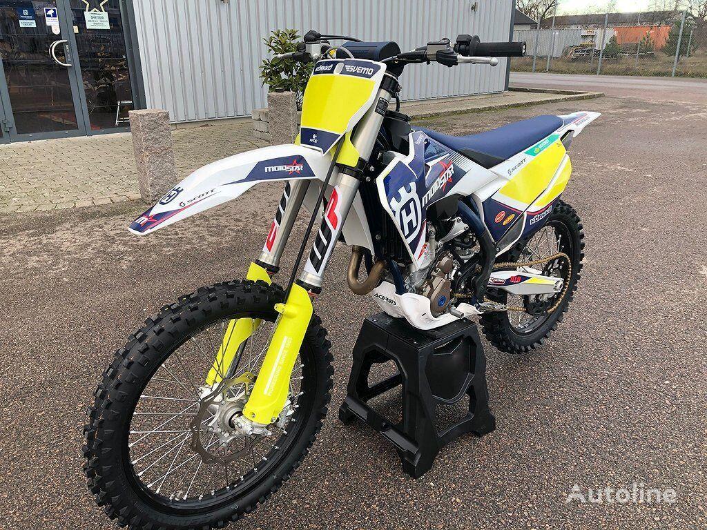 HUSQVARNA FC 250 moto