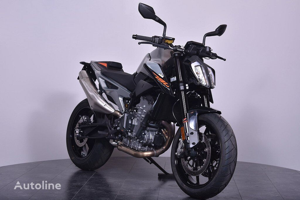KTM 790 Duke moto