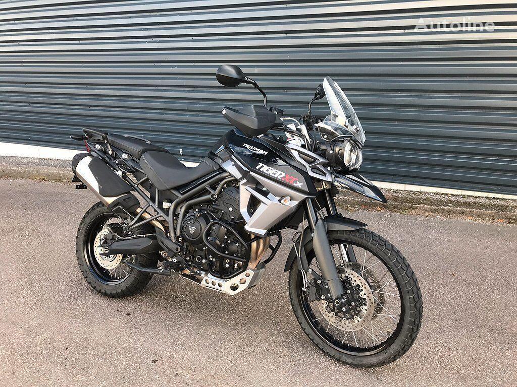 TRIUMPH 800 XCX moto