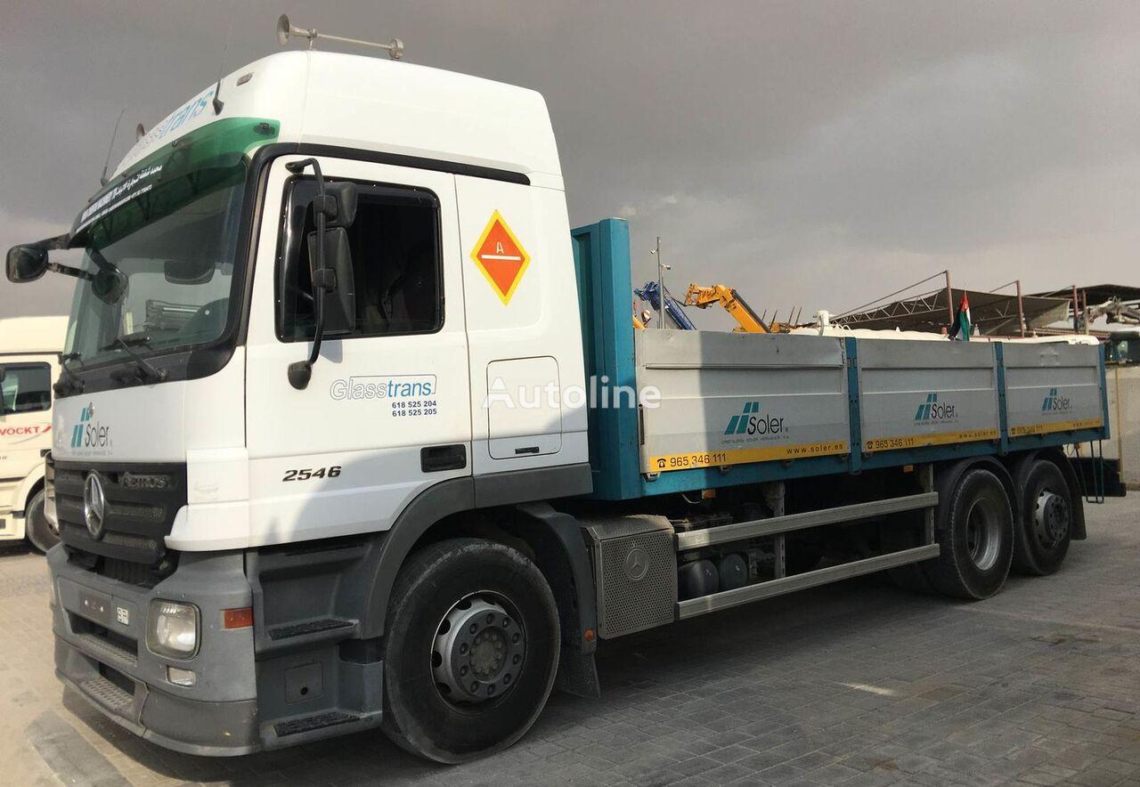 MERCEDES-BENZ 2546 camión caja abierta