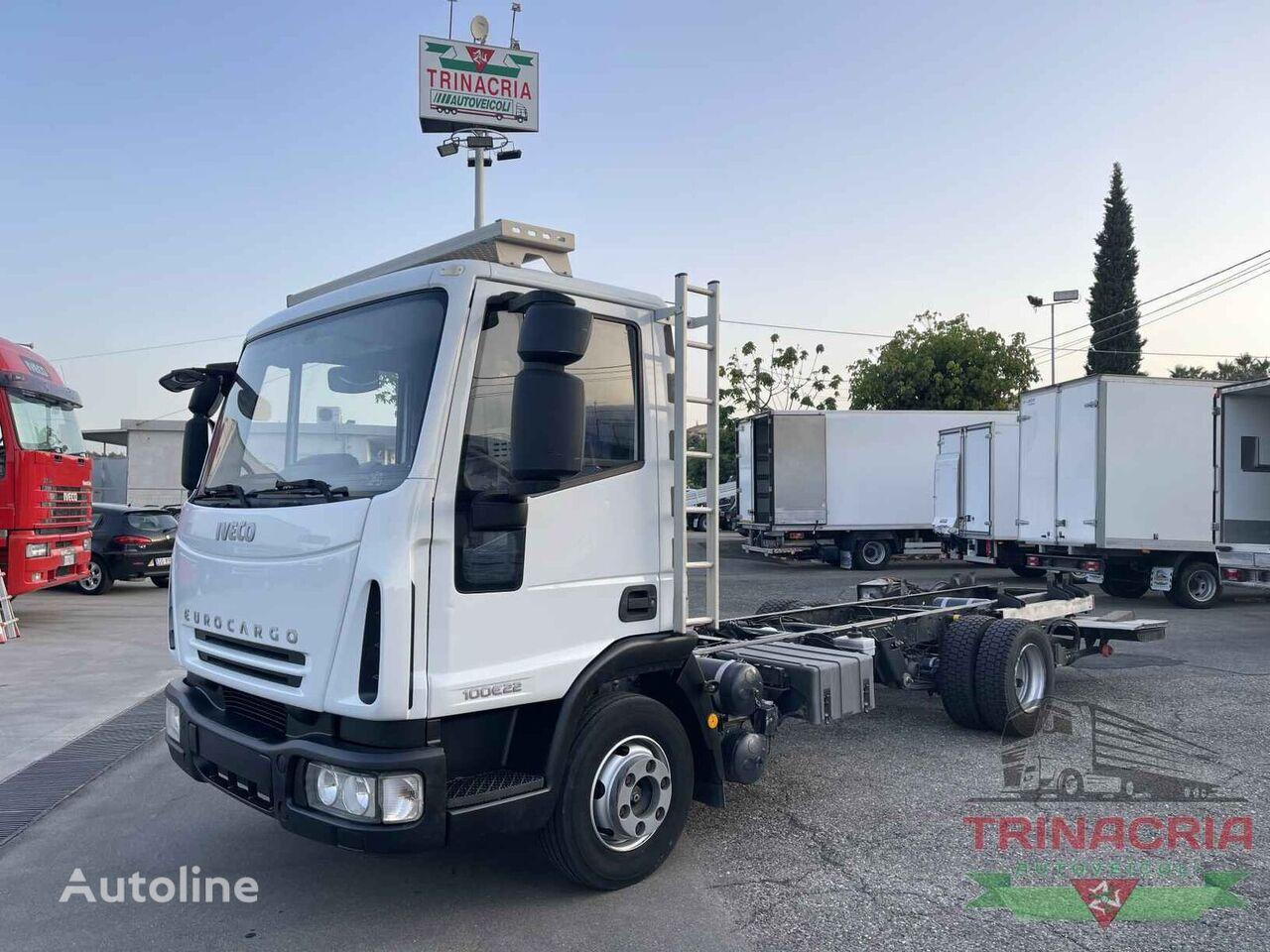 IVECO Eurocargo 100E22 camión chasis