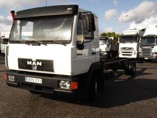 MAN 10.224 camión chasis
