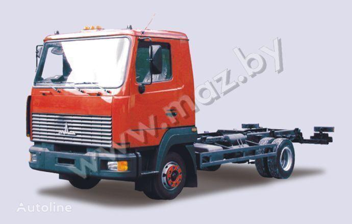 MAZ 4371 camión chasis