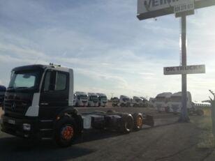 MERCEDES-BENZ 2528L 3 EJES ADR camión chasis