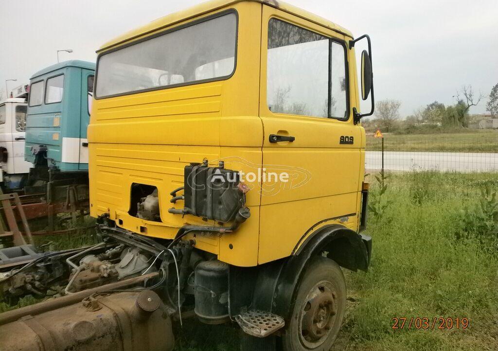 MERCEDES-BENZ 809-813-SE ANTALAKTIKA '85 camión chasis para piezas