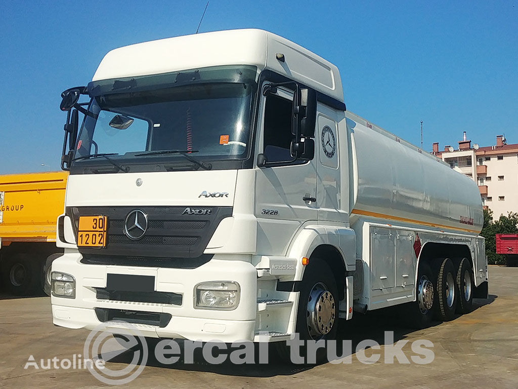 MERCEDES-BENZ 2008 AXOR 3228 8X2 EURO3 26M3 TANKER camión cisterna