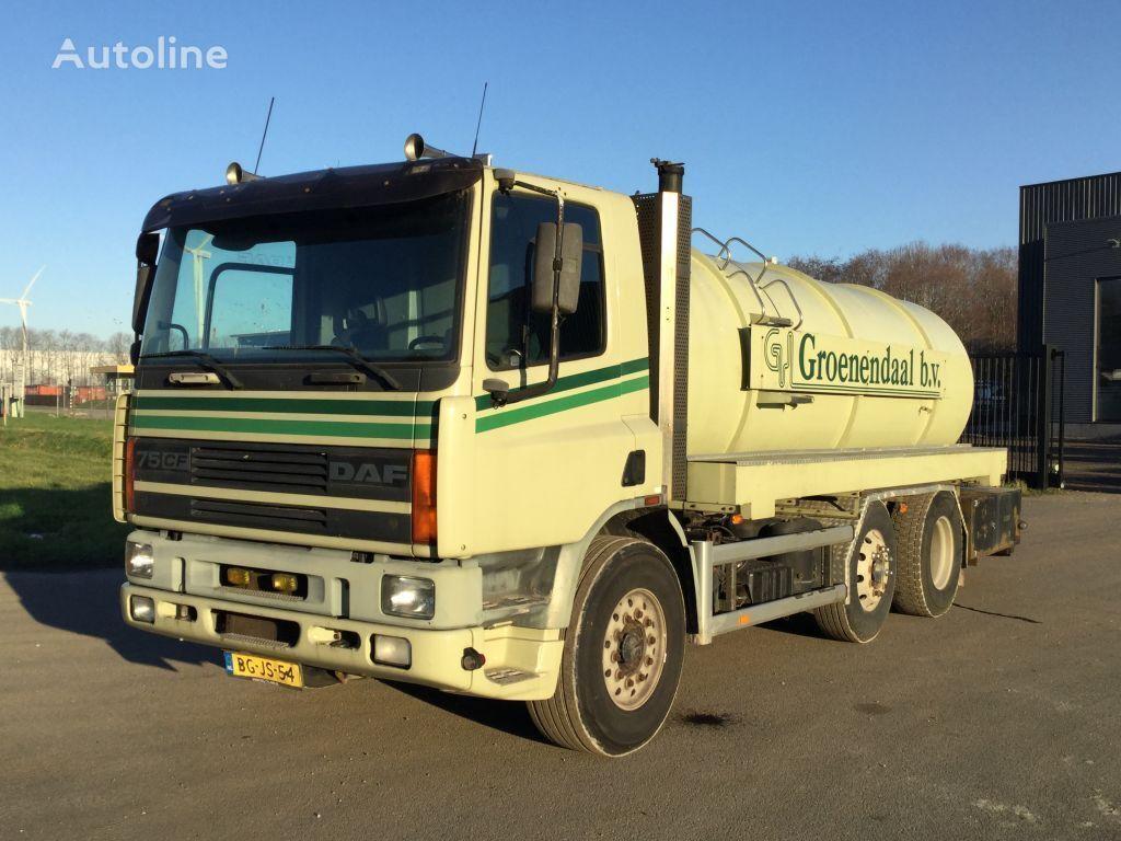 DAF AG75RC camión cisterna