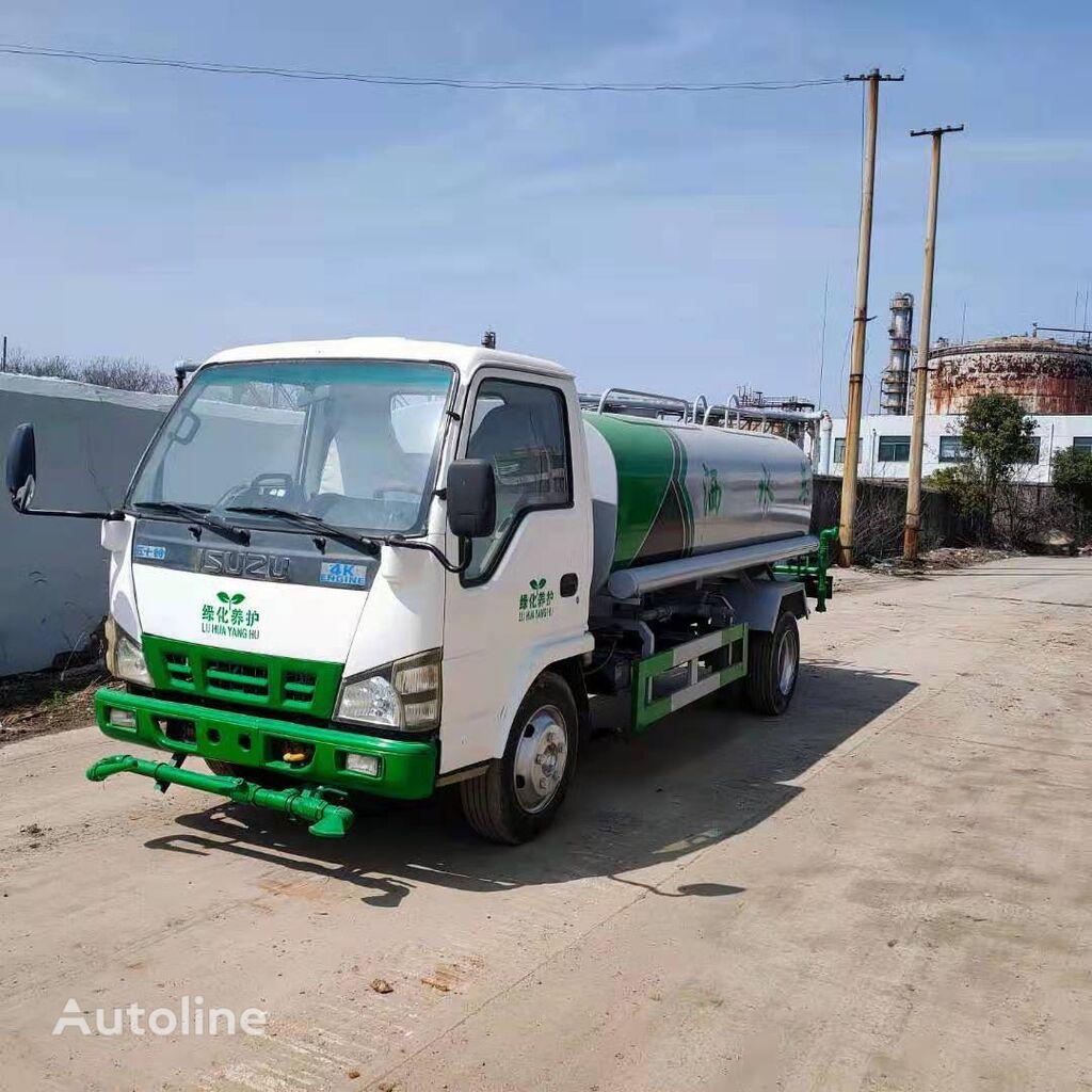 ISUZU Watering sprinkler truck camión cisterna
