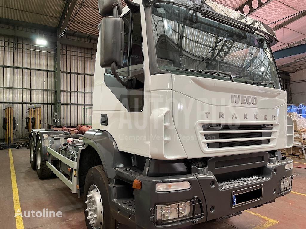 IVECO TRAKKER AD260T35 26T camión con gancho