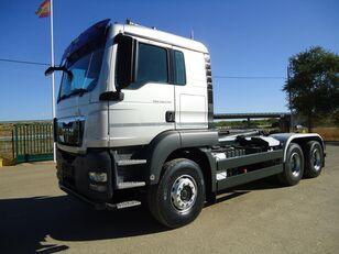 MAN  TGA 26 440 camión con gancho