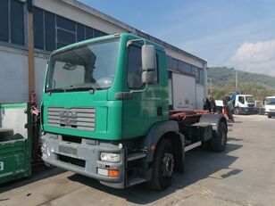 MAN TGM 18.280 camión con gancho