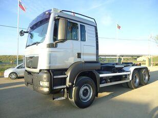 MAN TGS 26 400 camión con gancho