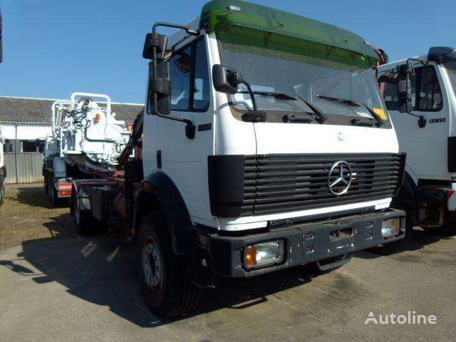 MERCEDES-BENZ 1722 AK 4x4 + HIAB 090A camión con gancho