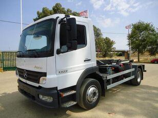 MERCEDES-BENZ ATEGO 13 23 camión con gancho