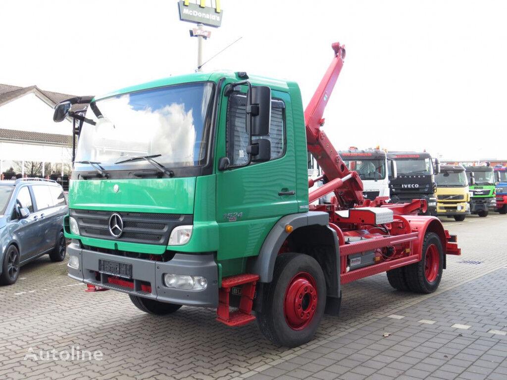 MERCEDES-BENZ Atego 1524 camión con gancho