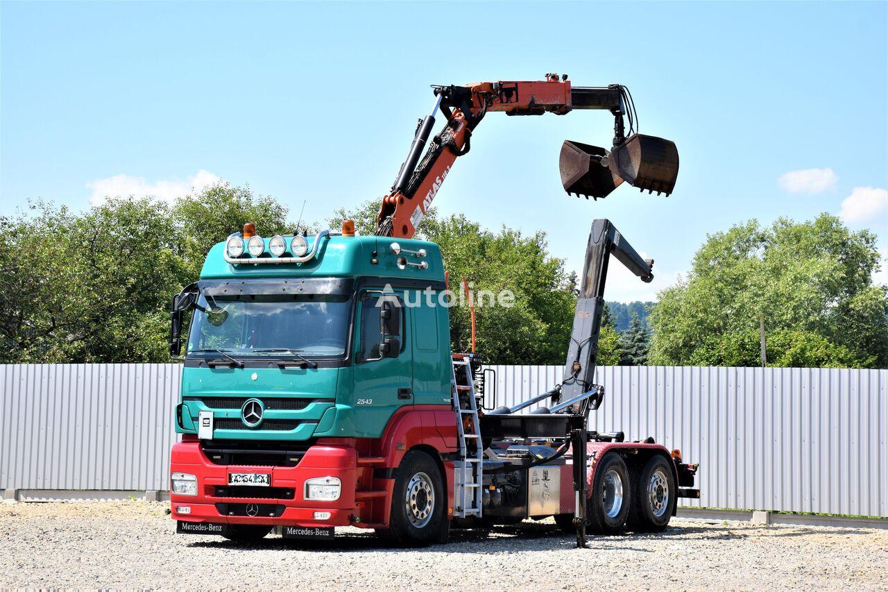 MERCEDES-BENZ Axor 2543 Abrollkipper 5,20m+ATLAS 118.2 +FUNK camión con gancho