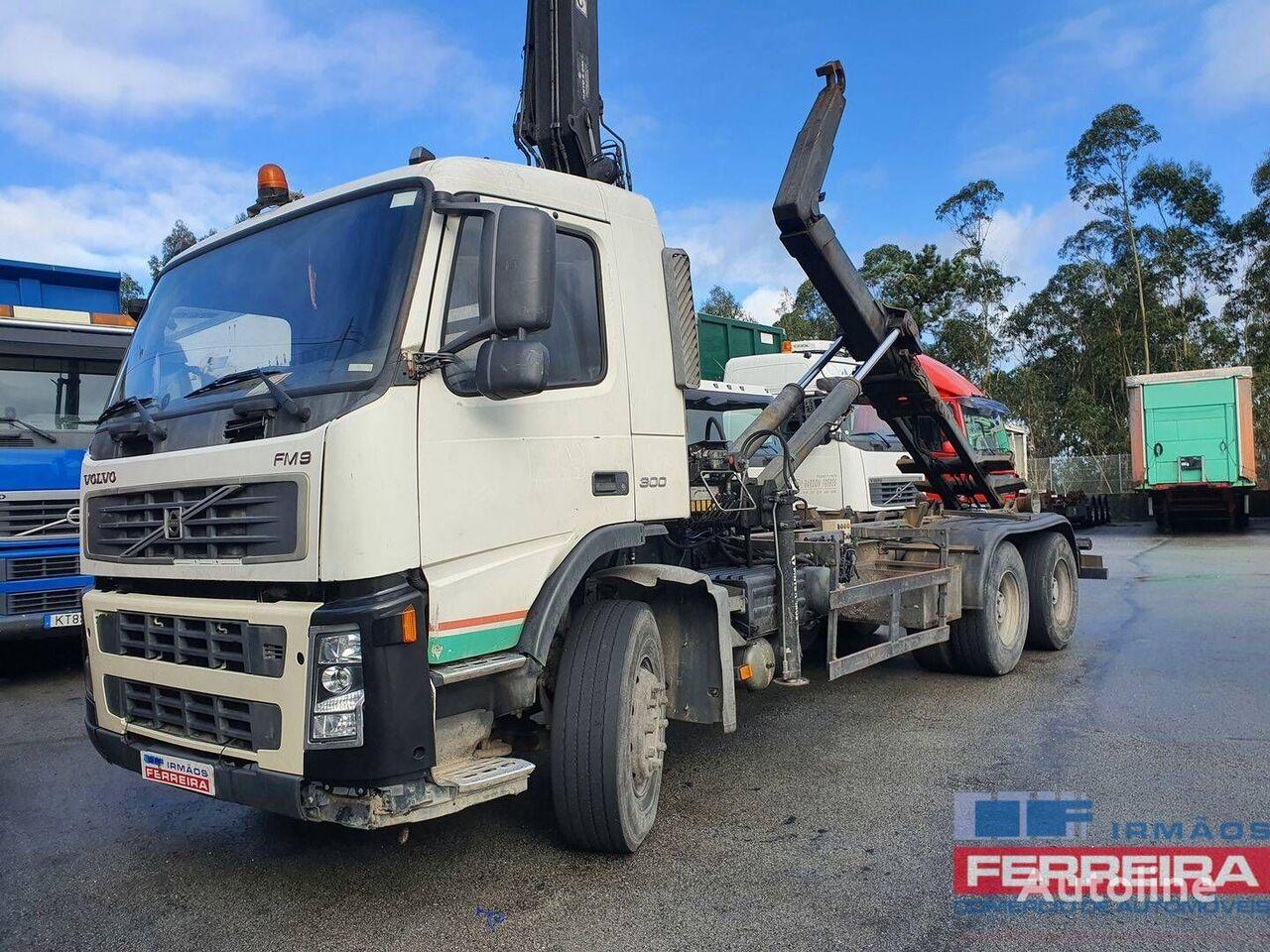 VOLVO FM 9 300CV 6X4 camión con gancho
