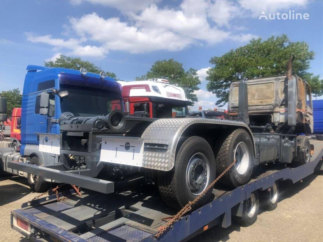 DAF CF85 FAN camión con gancho