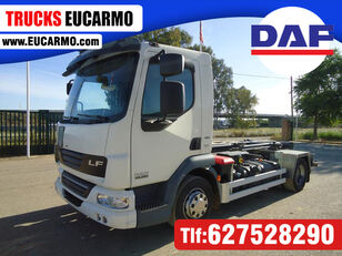 DAF LF 45 220 camión con gancho