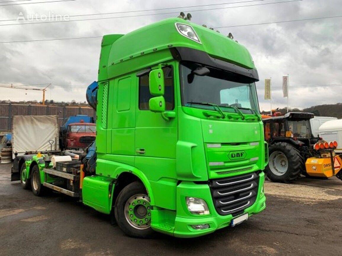 DAF XF510 camión con gancho