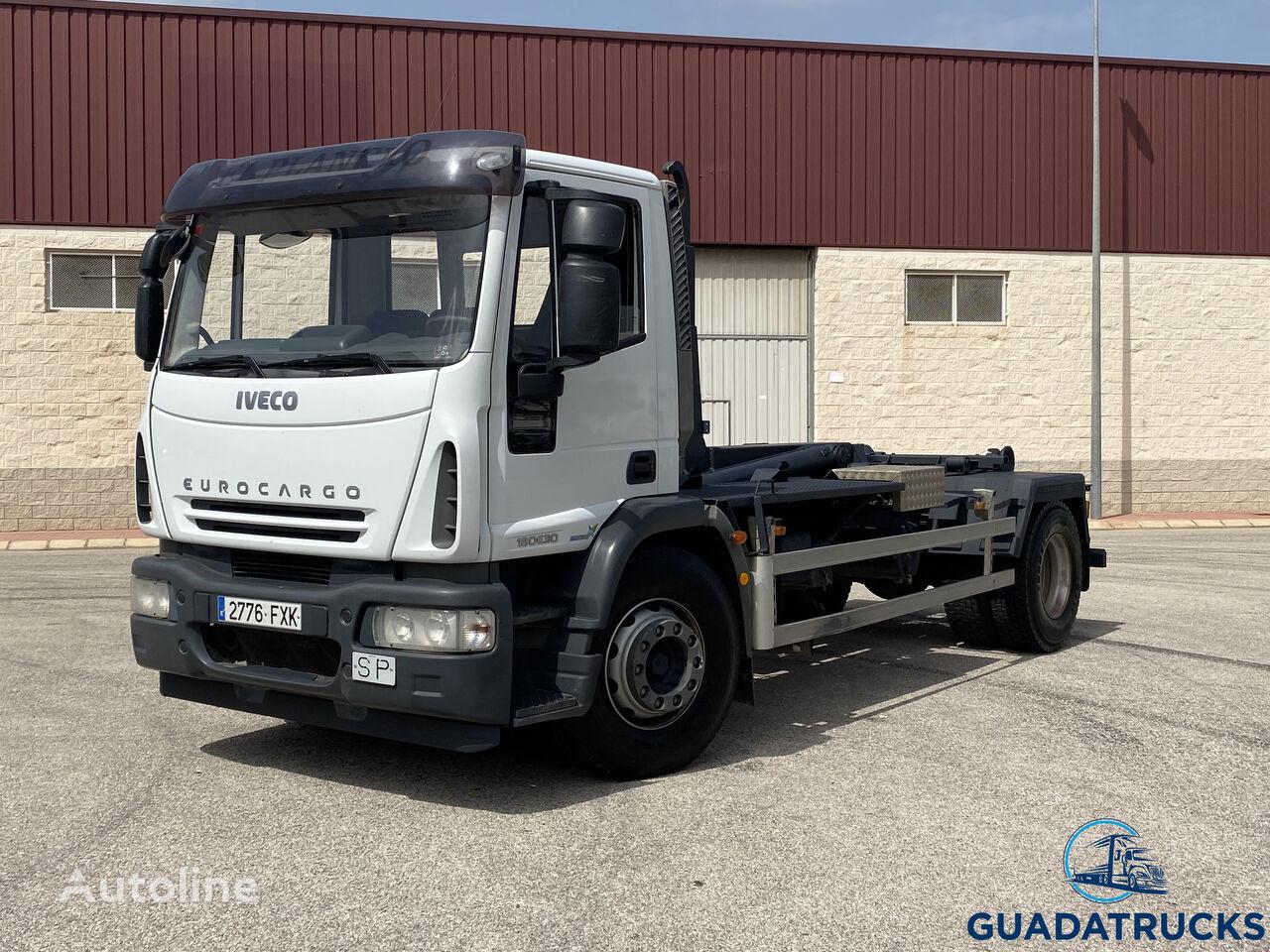 EUROCARGO 180E30 camión con gancho