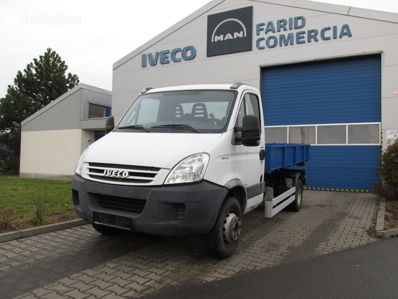 IVECO 65C15 K  camión con gancho