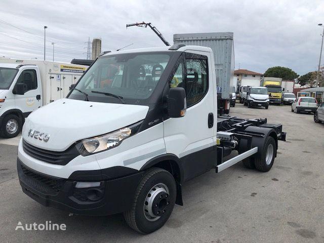 camión con gancho IVECO DAILY 60 C 15 nuevo