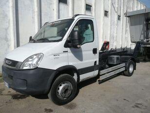 IVECO DAILY 60C14 scarrabile ribaltabile camión con gancho