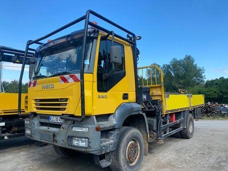 IVECO TIL - 380 camión con gancho