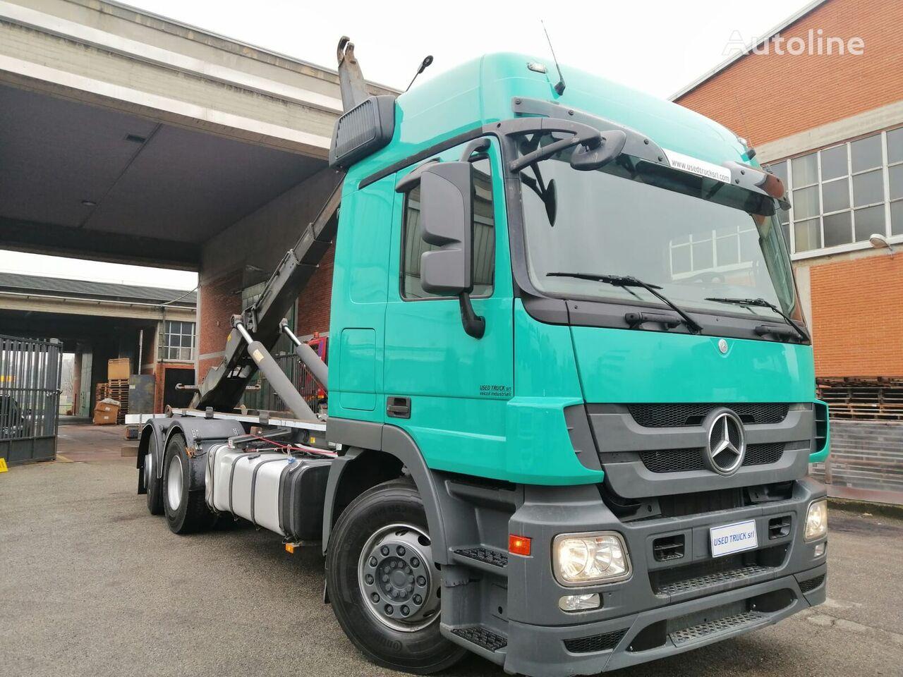 MERCEDES-BENZ Actros 2548 camión con gancho