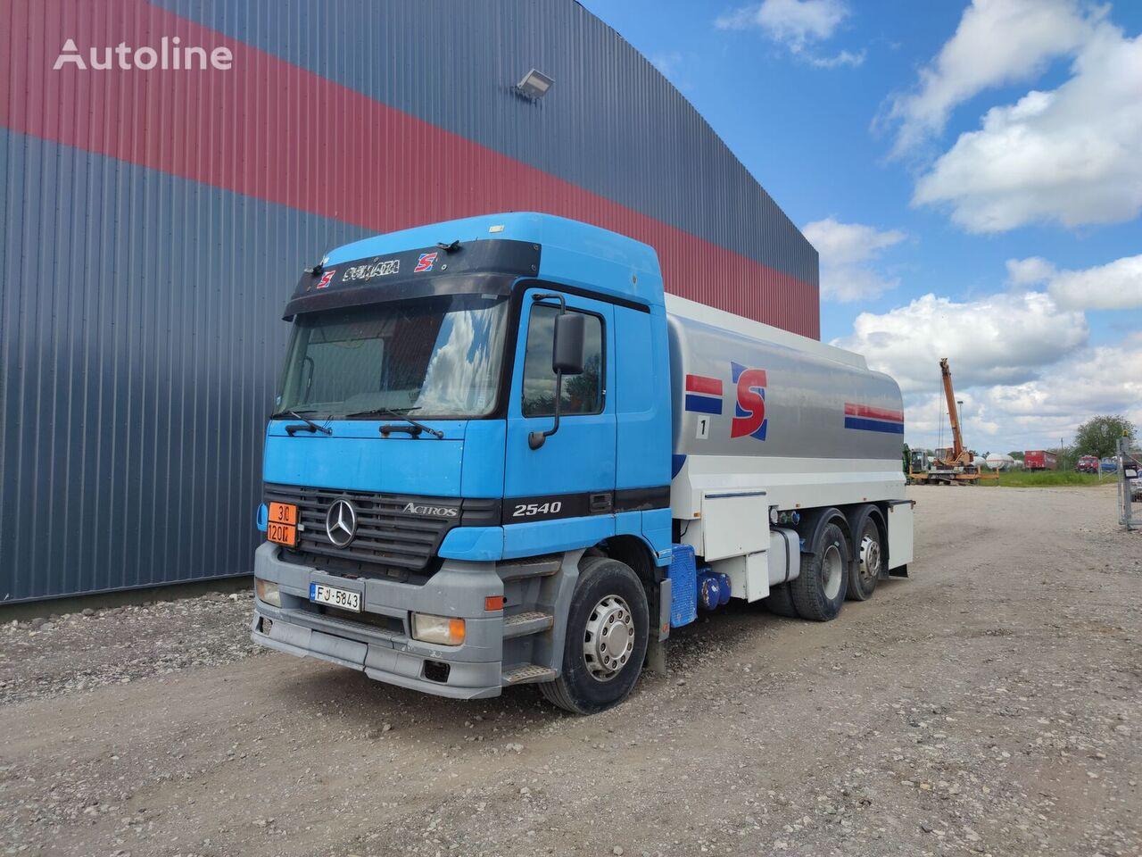 MERCEDES-BENZ 2540 camión de combustible