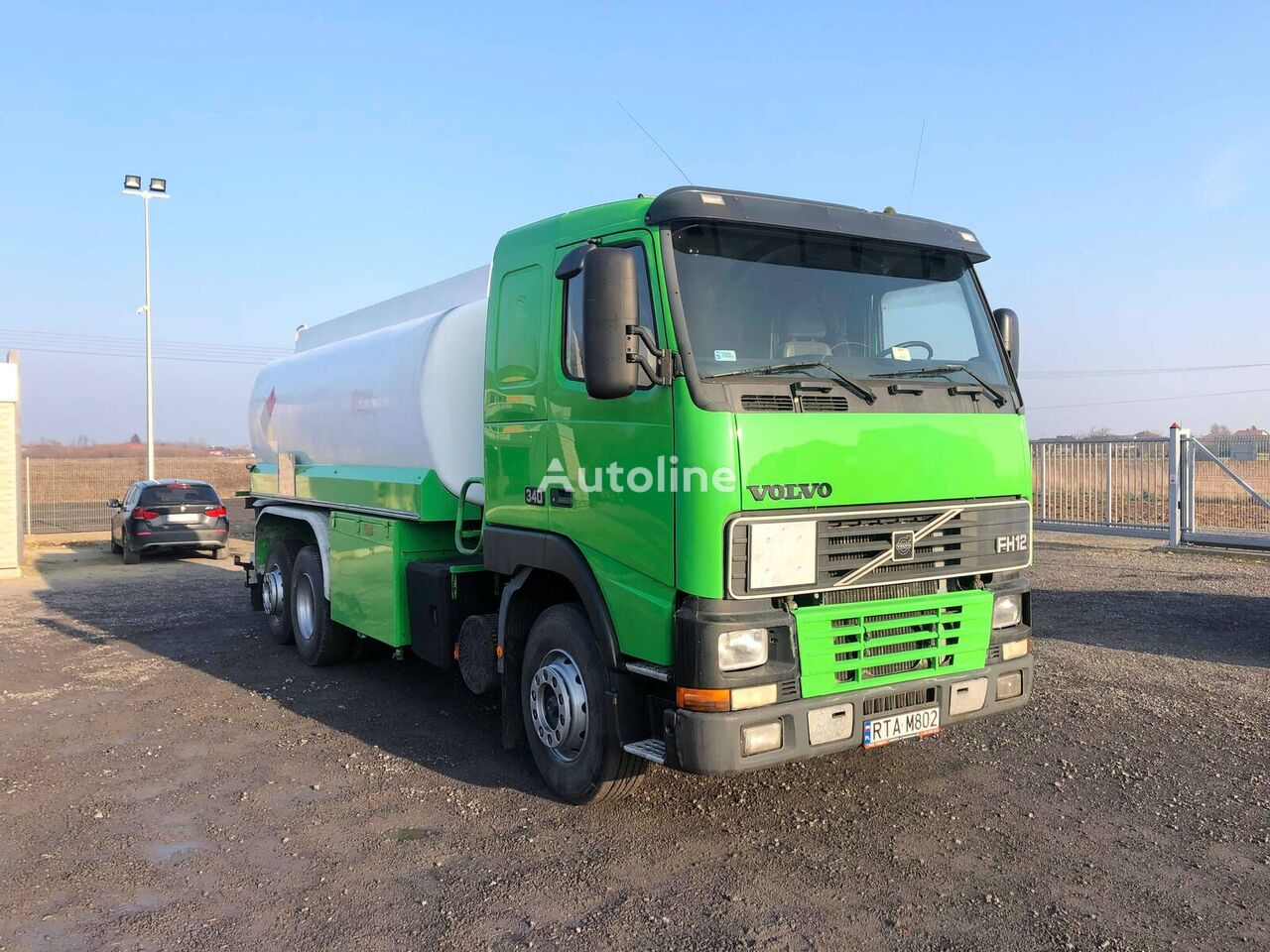 VOLVO FH 12    340 camión de combustible