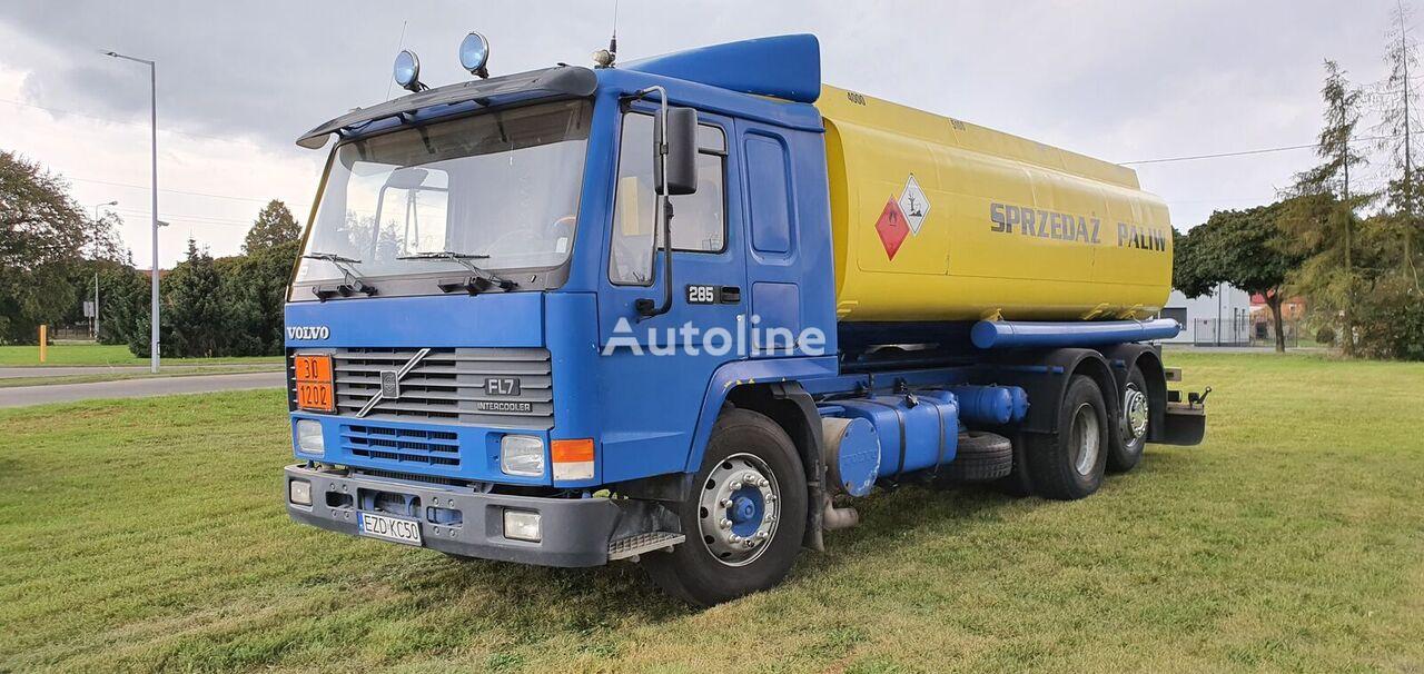 VOLVO FL 7  camión de combustible