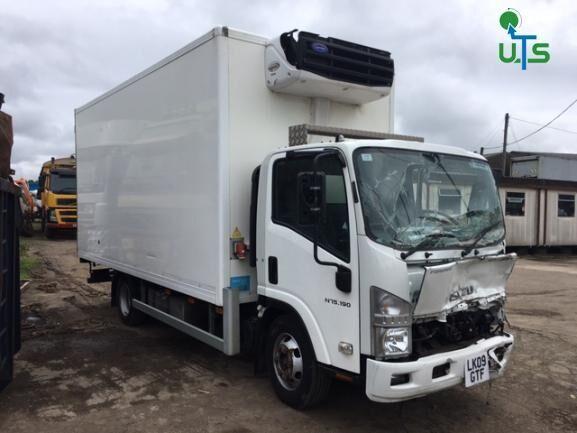 ISUZU N75 190 BREAKING camión frigorífico para piezas