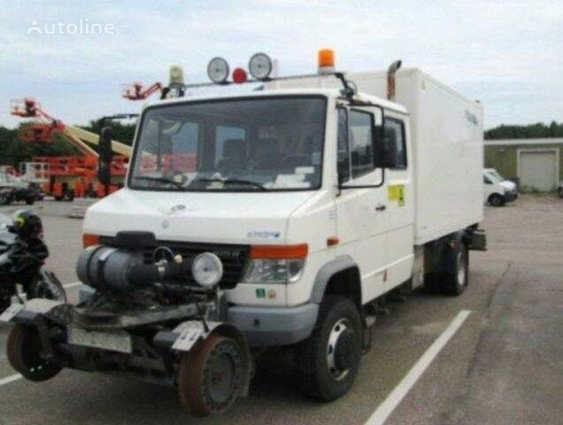 camión furgón MERCEDES-BENZ 4x4 VARIO Schörling RAIL Two Way SchienenSERVICE