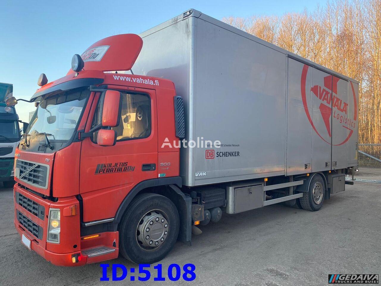 VOLVO FM9 - 4x2  camión isotérmico