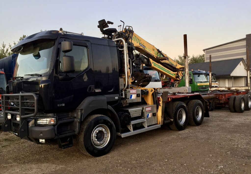 camión maderero RENAULT Kerax DXi 520KM 6x4 na Volvie dzwig EPSILON S300L Euro5