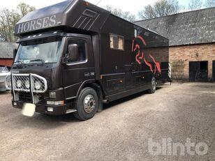 VOLVO FM 7 290 hp camión para caballos
