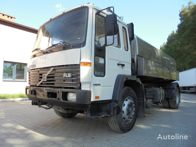 VOLVO FL6 18 camión para transporte de leche