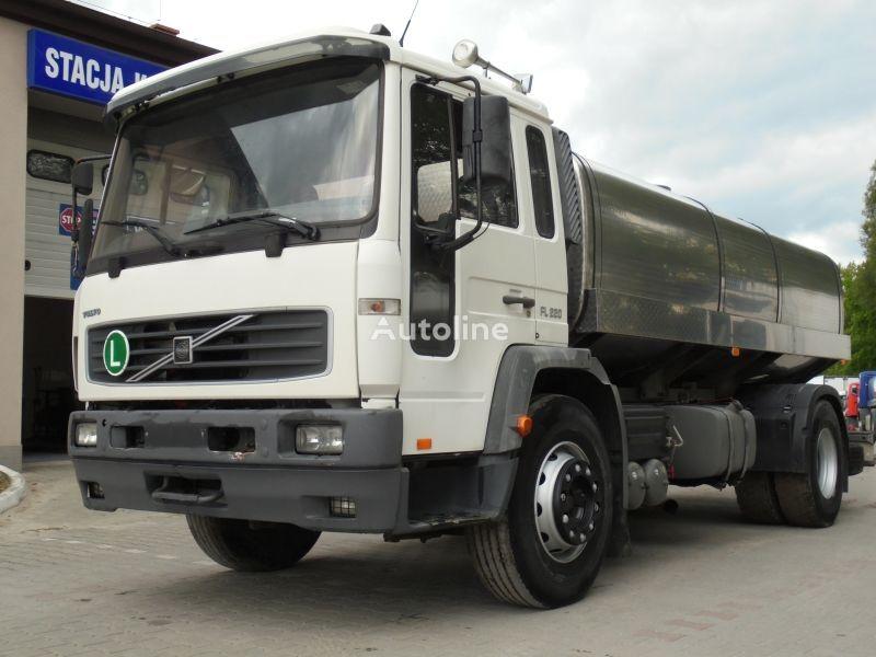 VOLVO FL 220 camión para transporte de leche