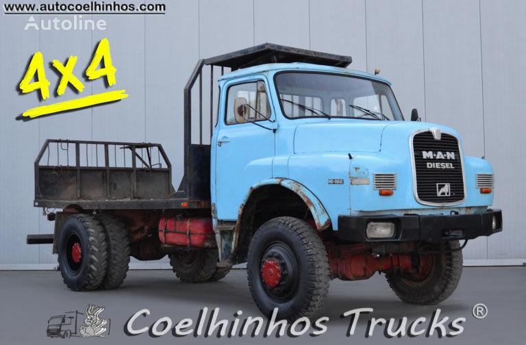 MAN 16.192 HAK camión plataforma