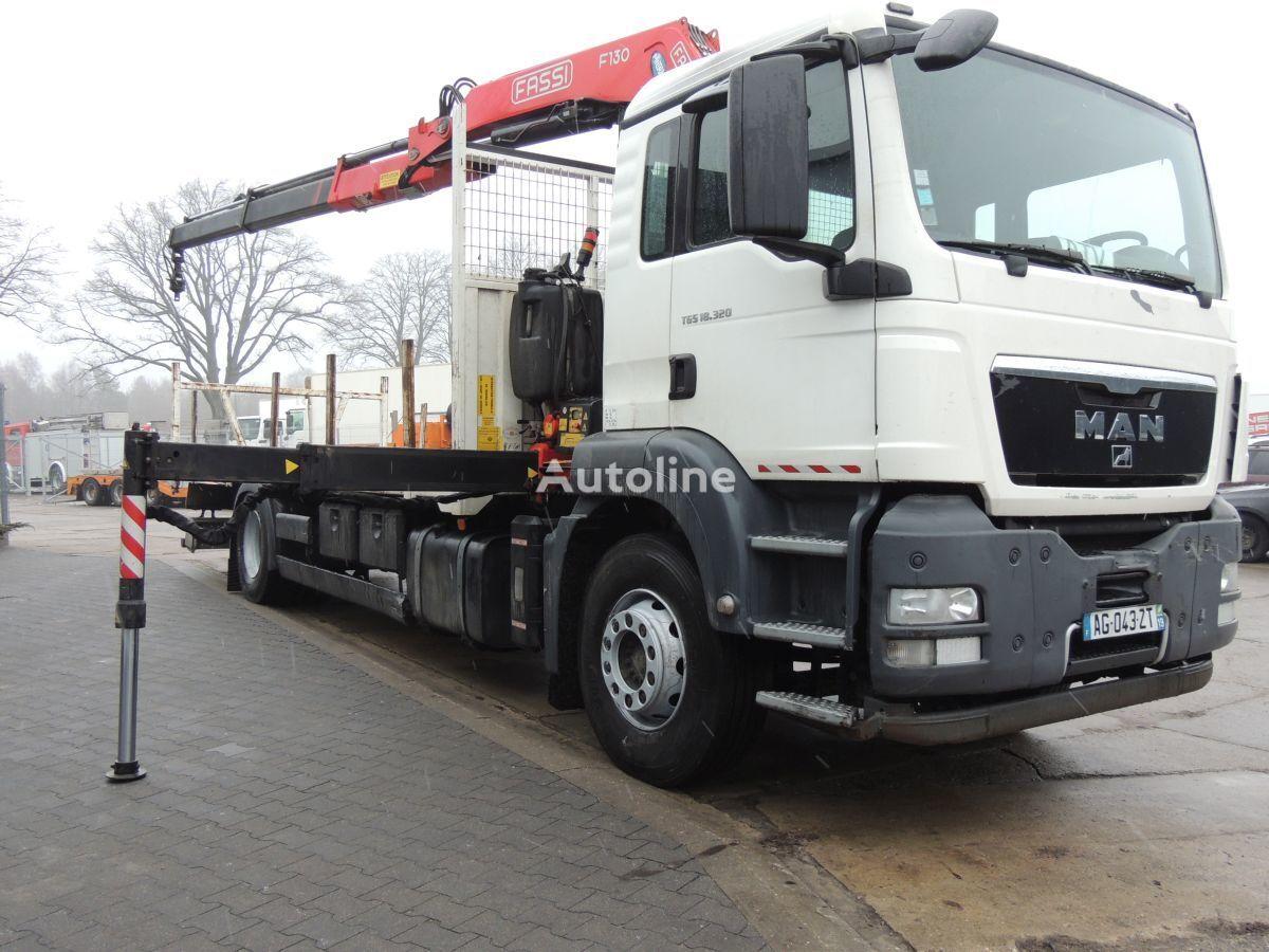 MAN TGS 18.320 platforma + Żuraw Fassi F130 camión plataforma