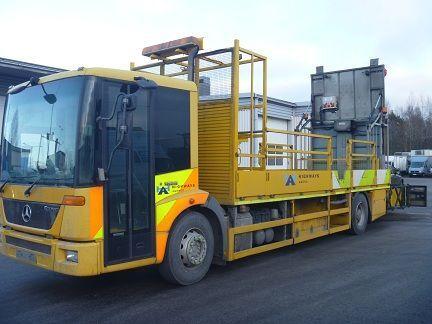 MERCEDES-BENZ Econic 1824LL camión plataforma
