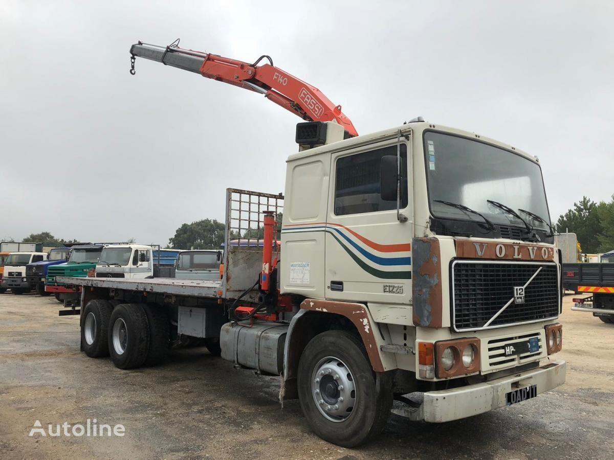 VOLVO F12-25 Full Steel Suspension camión plataforma