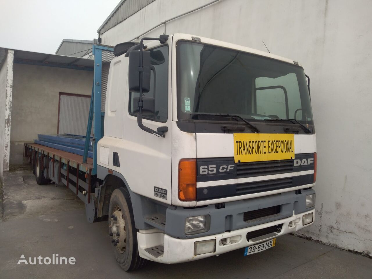 DAF CF 65 240 camión plataforma