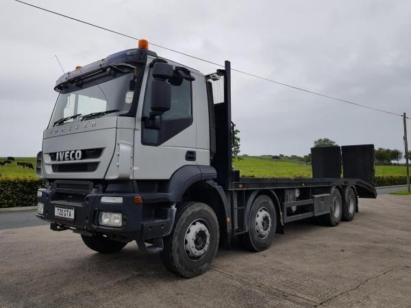 IVECO Euro Trakker 360 camión portacoches