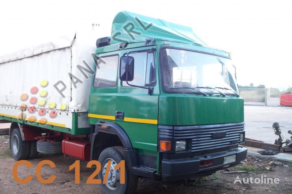 IVECO 135 17 camión toldo