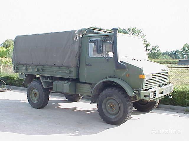 UNIMOG 435 camión toldo