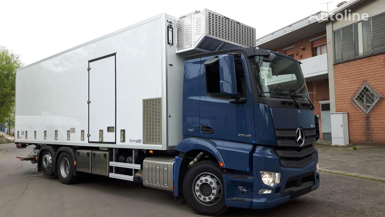 MERCEDES-BENZ SPECIAL CHIKS TRASPORT VEHICLE-Koeken Aufbau- camión transporte de aves nuevo